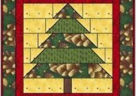 santa day fourteen and a free pattern holiday quilts Christmas Quilt Wall Hanging Patterns Free